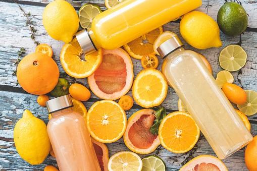 Jus de fruit orange et pamplemousse